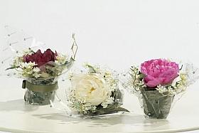 Aranjament cu flori de Bujor 12 cm HO alb Peony