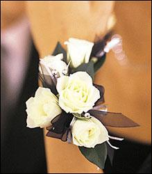 Bratara 5 White Mini Roses Wristlet