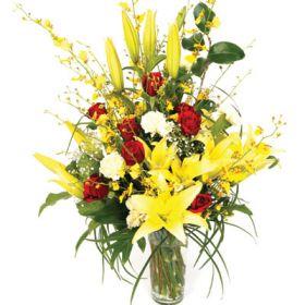 Buchet crini galbeni Seasonal Bouquet