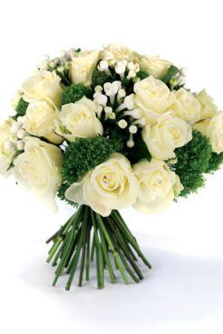 Buchet de mireasa Regina ghetii din Trandafiri albi si verdeata