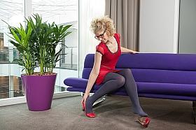 Planta Kentia (howea) forsteriana in Ghiveci sintetic Art en Vogue Claire mov